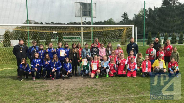 Brąz na mistrzostwach województwa w mini piłce nożnej dziewcząt