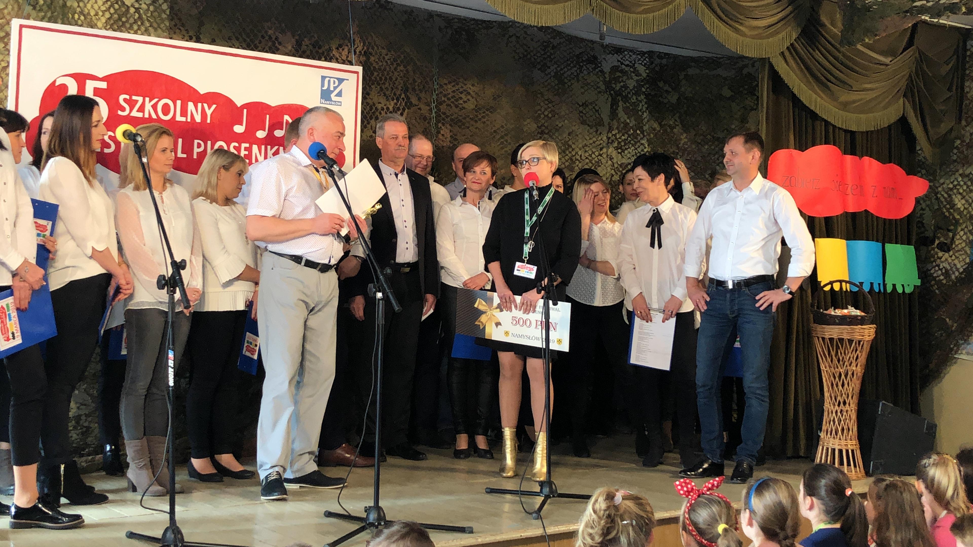 """25 Jubileuszowy festiwal w namysłowskiej """"Czwórce""""."""